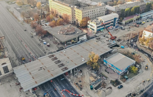 В Киеве установлен прогон Шулявского моста над проспектом Победы
