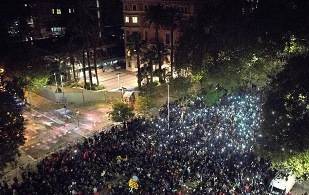 У Барселоні пройшла акція протесту з повітряними кулями