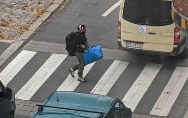 В Осло озброєний чоловік викрав  швидку  і наїхав на людей