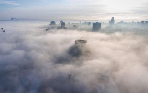 Сім морпортів України обмежили роботу через туман