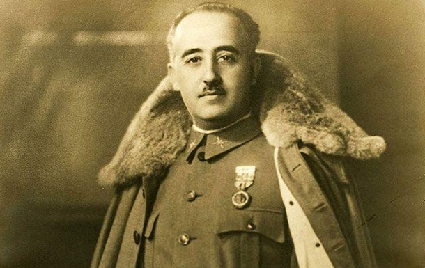 Останки Франсиско Франко ексгумували