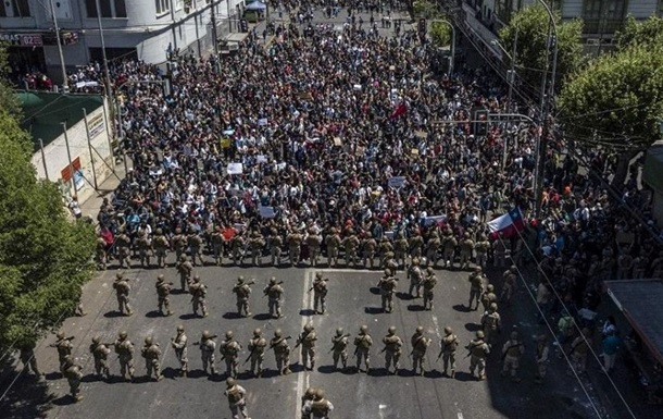 Власть трещит по швам: что происходит в Чили