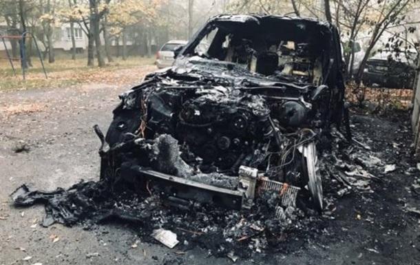Элитный внедорожник сгорел во Львове