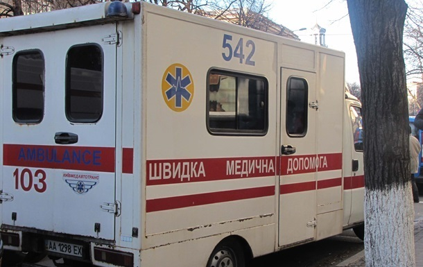 В киевской школе распылили газ, много пострадавших