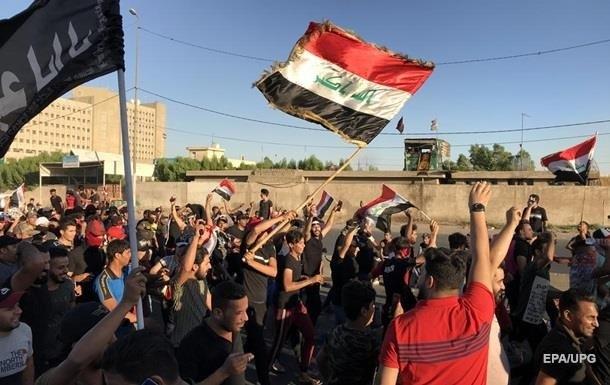 В результате протестов в Ираке погибли 63 человека