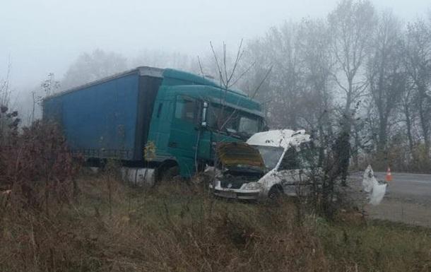 В Хмельницкой области в ДТП погибла семья
