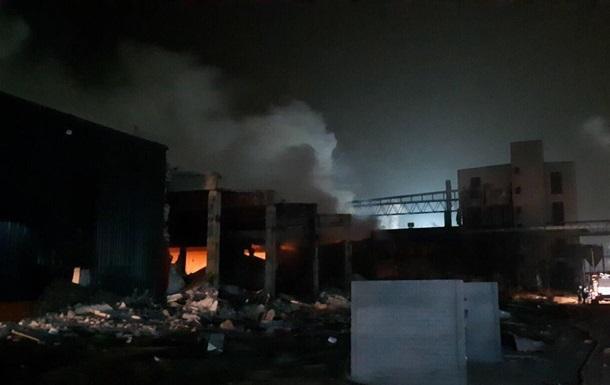 На заводі в Дніпрі стався потужний вибух і пожежа