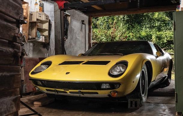 Ламборджини из заброшенного гаража продали за 1,2 млн евро