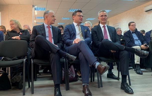 Донецьк і Луганськ повернуться під контроль України - Столтенберг