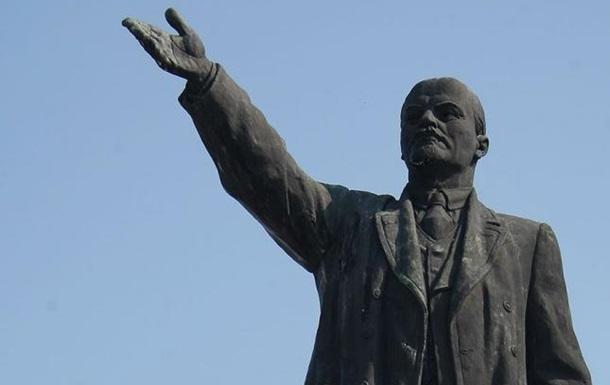 В Днепре снесли последнего Ленина