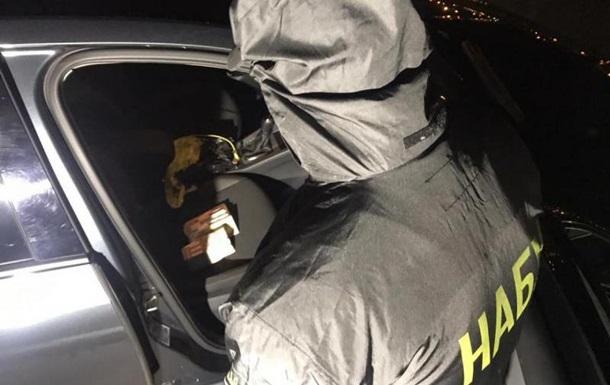 Директора харківського підприємства затримали на хабарі детективу НАБУ
