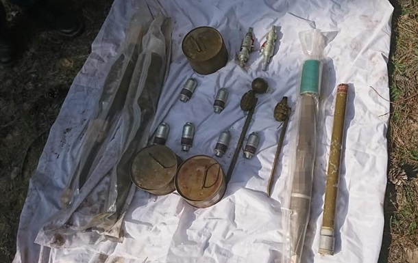 СБУ нашла схрон оружия возле нефтяных скважин