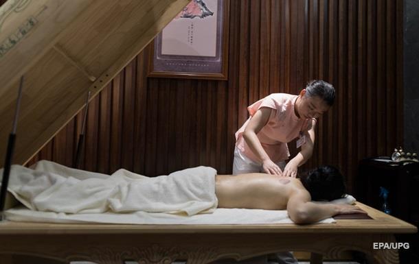 Лікар під час масажу зламав пацієнтові хребет у Житомирі