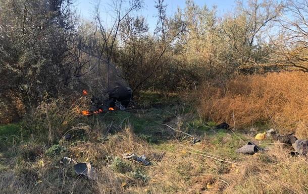 Під Одесою авто з вагітною в їхало в дерево, є жертви