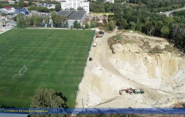 В Тернополе нашли большой нелегальный песчаный карьер