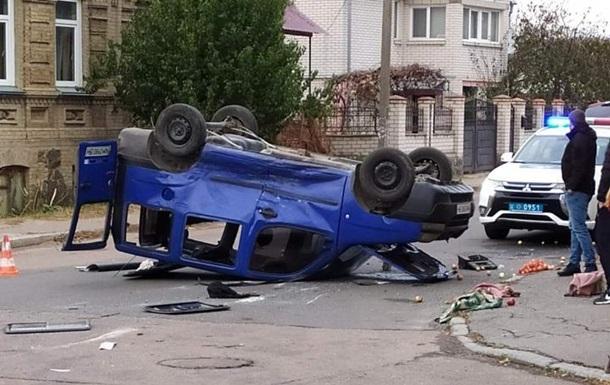 В Бердичеве перевернулось авто, младенца спасло автокресло
