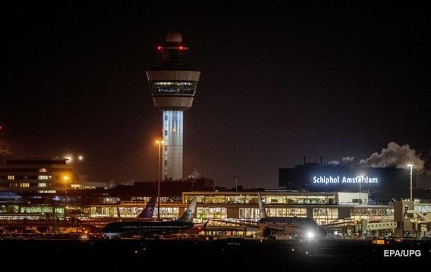 Захват самолета в Амстердаме: пилот случайно нажал кнопку тревоги