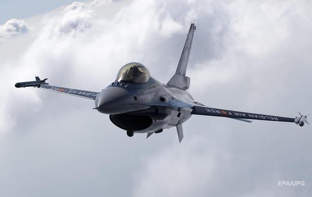 Винищувач США F-16 випадково впустив ракету на Японію