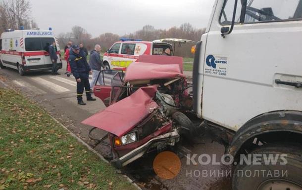 У Полтаві МАЗ протаранив легковик: двоє загиблих
