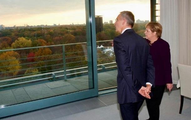 Меркель і Столтенберг відповіли на слова Макрона