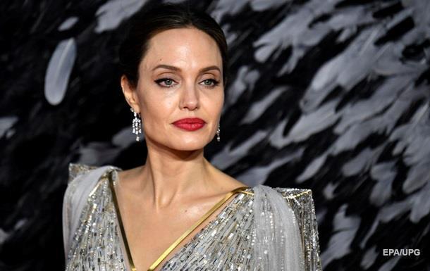 З явилися перші фото Джолі з нового фільму Marvel