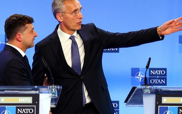 Скованные одной НАТО: Зеленский ведёт Украину туда же, куда и Порошенко