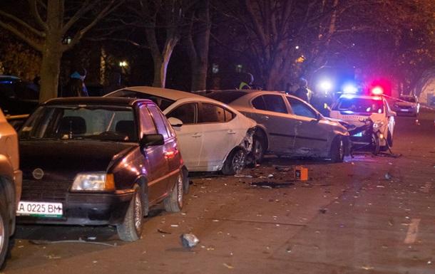 У Києві п яний водій розгромив дев ять авто і намагався втекти
