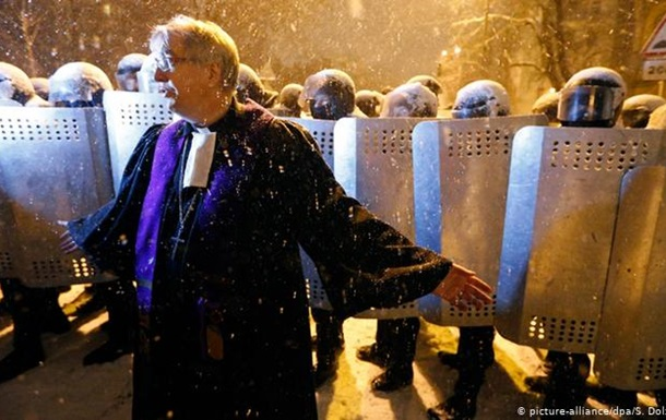 За Майдан і не тільки: німецький пастор отримав орден за допомогу Україні
