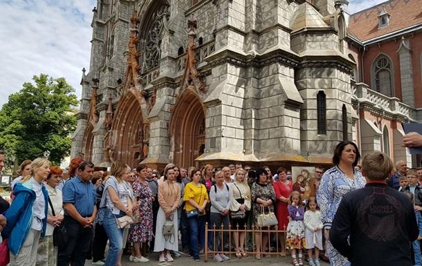 Польша недовольна состоянием костела в Киеве
