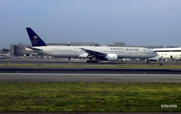 На борту Saudi Arabian Airlines померла дитина