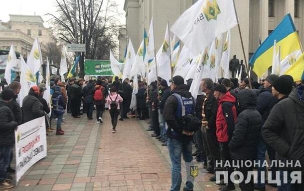 МВД усилило меры безопасности в центре Киева