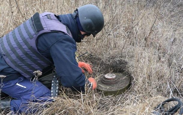 ДСНС показала замінований район Петрівського