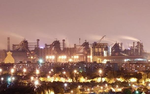 В Мариуполе ночью горел металлургический завод
