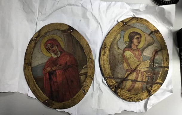 В аэропорту Киева задержали иностранца с иконами