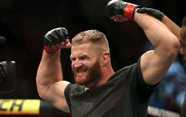 UFC Fight Night 164: Блаховіч переміг Соузу, Турман - Переса і інші результати