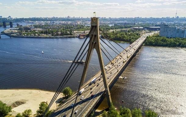 Рух на Північному мосту в Києві частково обмежать