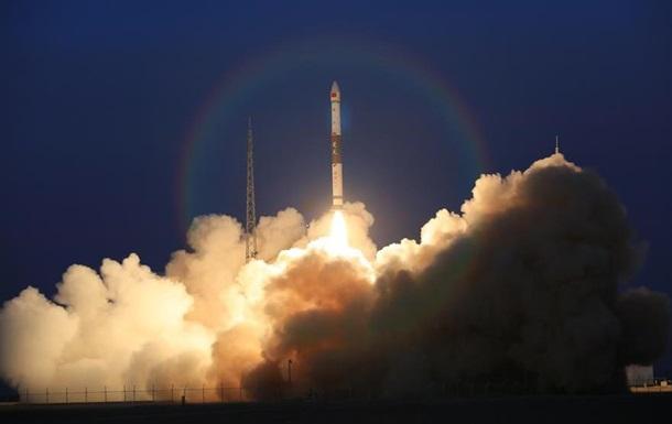 Китай запустив два глобальних мультимедійних супутники