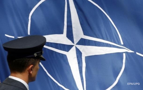 У Німеччині розповіли про бачення НАТО, відмінне від висловленого Макроном