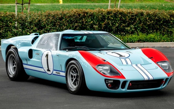 Болид из ленты Ford против Ferrari продадут на аукционе
