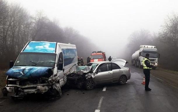 На Хмельнитчине произошло ДТП, есть жертвы и пострадавшие