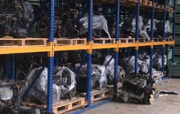 В Ужгороді виявили склад з контрабандними автозапчастинами