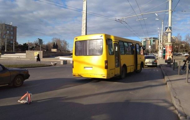 В Одессе из маршрутки выпала пассажирка