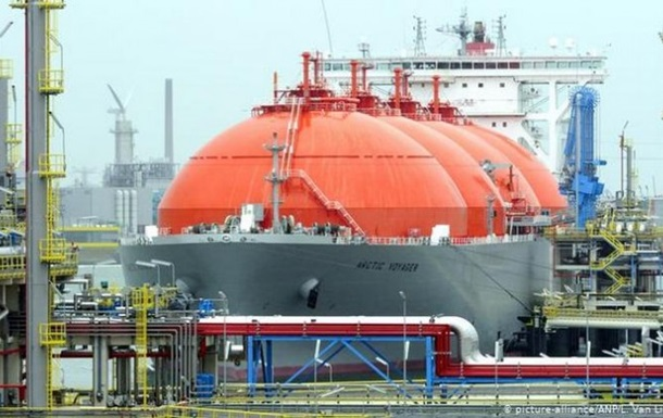 У польський термінал прибуло американське судно з газом для України