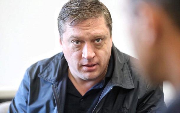 Нардеп Иванисов приостановил членство во фракции Слуга народа