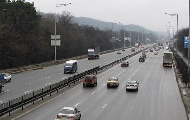 Антирекорд. В Киеве авто  летело  со скоростью 288 км/ч