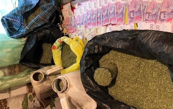 Жителі Луганщини продавали марихуану в  ЛНР