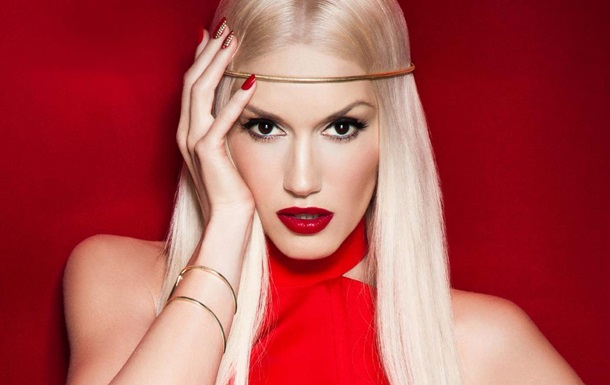 Гвен Стефани появилась в необычном топе от украинского дизайнера