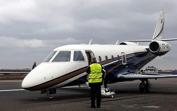 Работу аэропорта Одессы приостанавливали из-за частного самолета