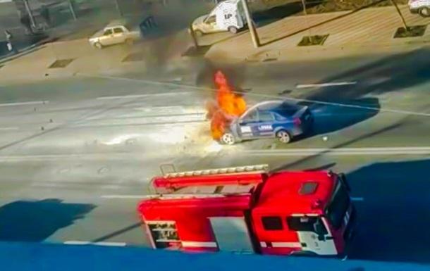 В Киеве на ходу загорелась машина такси