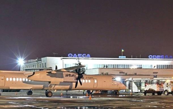 Одесский аэропорт возобновил работу